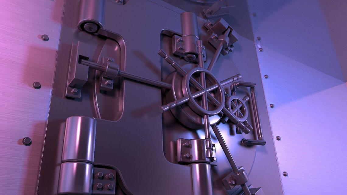Tabele opłat w bankach – gdzie opłaca się założyć konto?